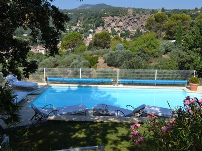 Photo for Authentic Provencal farmhouse with pool, quality amenities, and nice view