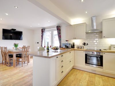 Photo for Turnbull View - Three Bedroom House, Sleeps 5