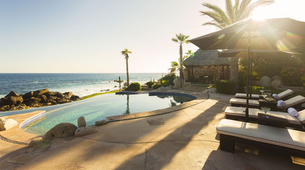 $5M oceanfront home with daily housekeeping and resort access