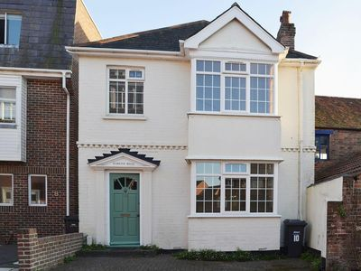 Photo for 3 bedroom property in Portsmouth. Pet friendly.