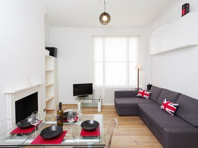 Photo for 1BR Apartment Vacation Rental in Londra
