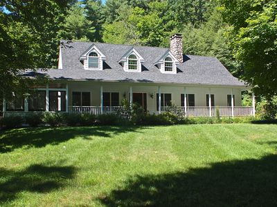 Photo for Freshly Renovated 4BR Contemp. Farmhouse Minutes to GB Center