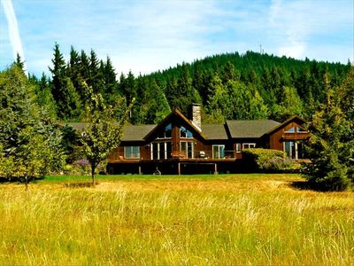 Photo for Vineyard Estate with Breathtaking Mt. Hood Views, Hot Tub!