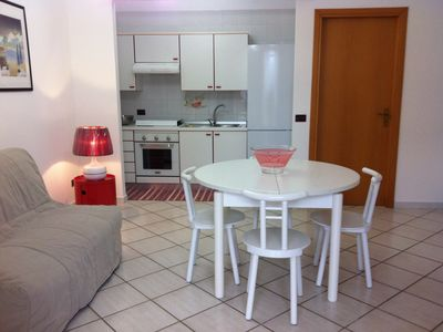 Photo for Terraced house in a quiet residence 200 meters from the sea, 4/5 places