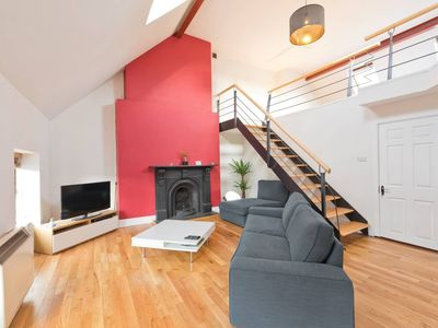 Photo for Sleeps 7-5 min to Temple bar