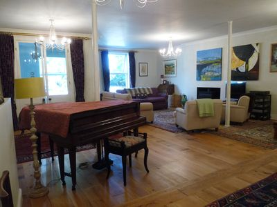 Photo for Large house in Tisbury with huge drawing room