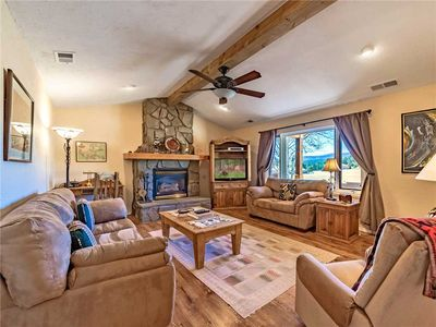 Photo for DB Mountain, 2 Bedrooms, Firepit, WiFi, Jetted Tub, Fenced Yard, Sleeps 6