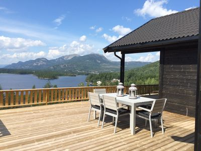 Photo for Delightful, spacious holiday home with splendid views over lake
