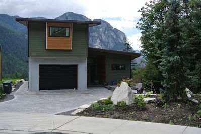 Main house with south facing views of the Squamish Chief view