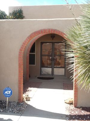 Photo for Beautiful Home in a Quiet and Friendly Neighborhood, access anywhere in 20 min.