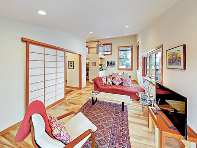 2BR Eco-Apartment w/ Private Balcony - 7 Mins from Alki Beach & Water Taxi