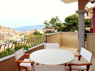 Photo for Three-room apartment with large terrace and stunning sea and castle view