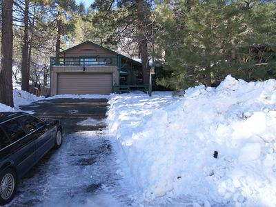 Photo for The Getaway Chalet - 3bd, 2ba, Spacious And Nicely Furnished Home Backs To Fores