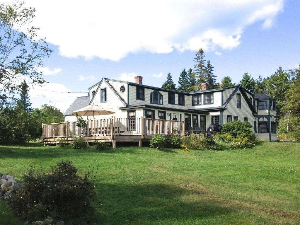 Charming 19th Century 7 Bedroom Farmhouse A Home Near The Shore And Acadia