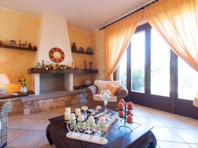 Photo for Lovely apartment for 6 guests with A/C, TV, pets allowed and parking