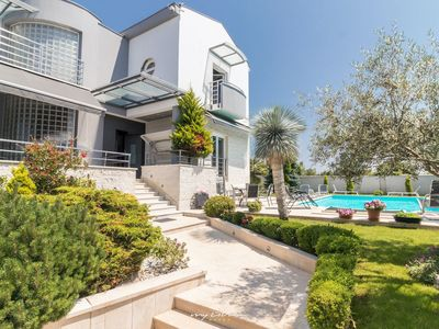 Photo for Modern villa with private pool in Pula