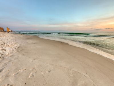 Photo for Beachfront condo w/ amazing view, pools, hot tubs, beach service & more!