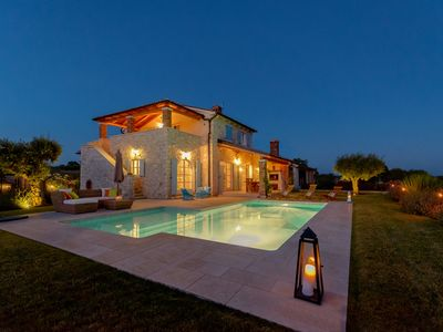 Photo for Exclusive luxury villa with swimming pool and barbecue, ideal for family