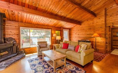 Photo for Luxury Cabin on Golf Course - 5 min to Nat'l Park, Hot Tub, Fireplace