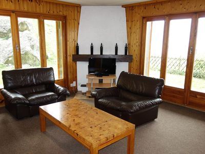 Photo for 2*, 3-bedroom apartment for maximum 8 people, located next to the skilift. Bright living room with t