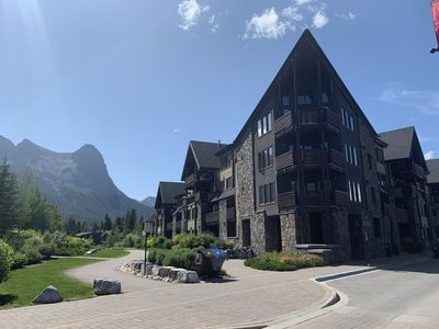 Photo for Stunning Mountain views in Luxurious Rundle Cliffs Lodge - Spring Creek
