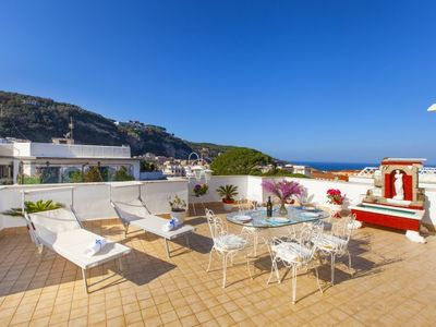 Photo for Sorrento Apartment, Sleeps 5 with Pool, Air Con and WiFi