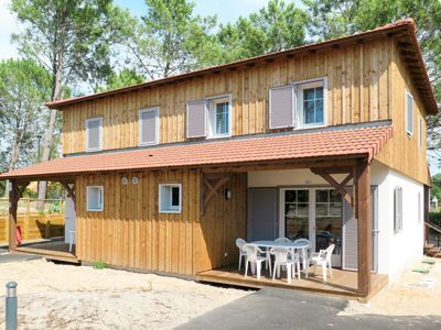Photo for Mimizan-Plage Holiday Home, Sleeps 6 with Pool and Free WiFi