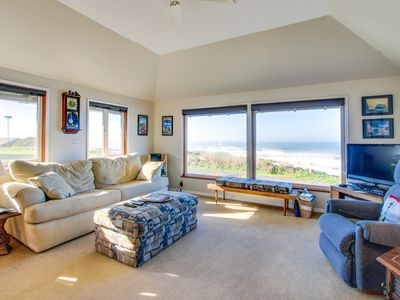 Photo for Oceanfront & in great neighborhood within walking distance of eateries & shops!