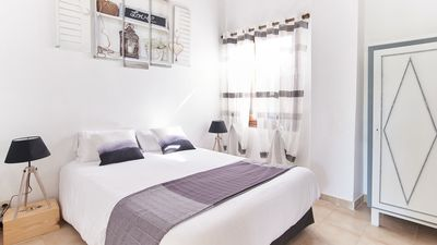 Photo for Near Pezenas - Cottage sleeps 8 in a vineyard of the 17th
