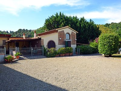 Photo for 2 bedroom Villa, sleeps 6 in Collelungo with Pool and WiFi