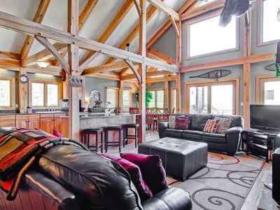 Photo for Beautiful Family Home with Hot Tub, Large Deck with Amazing Views: Snow Mountain Lodge