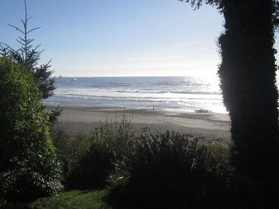 Relaxing oceanfront home with private beach access! Bring your family & pet.