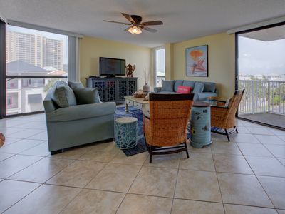 Photo for Bright, coastal condo, Steps to the beach, Beach service included