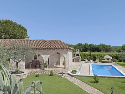 Photo for Holiday cottage Istranka * large garden, private pool, BBQ, WiFi