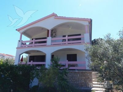 Photo for Apartment for 8 people, 70m from  beach