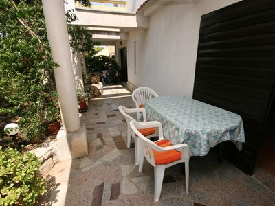 Photo for One bedroom apartment with terrace and sea view Mandre (Pag) (A-6456-b)