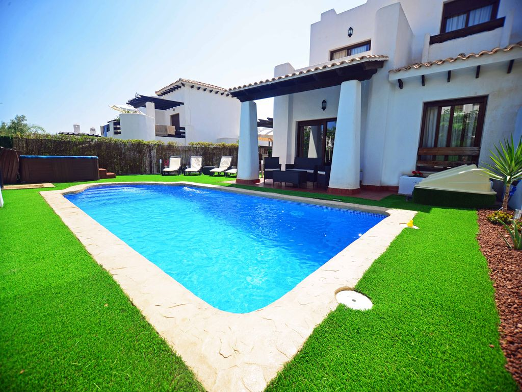 Casa Donna-Marie: Luxury 3 Bed Villa with HEATED Private Pool, Hot ...