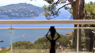 Photo for Luxurious 2 rooms with panoramic views of the bay of Villefranche