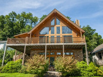 Photo for Magnificent 4 Bedroom Lakefront Home offers all the extras & more!