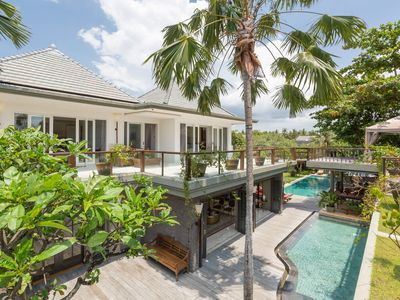 Photo for STUNNING and VINTAGE Villa Near The BEACH in Canggu