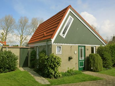 Photo for Cozy cottage in child friendly holiday park in South Holland