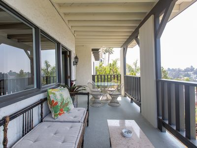 Photo for Hollywood Heights - Two Bedroom Apartment, Sleeps 4