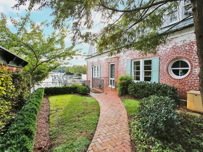 Photo for Charming waterfront home located in Downtown Historic Annapolis