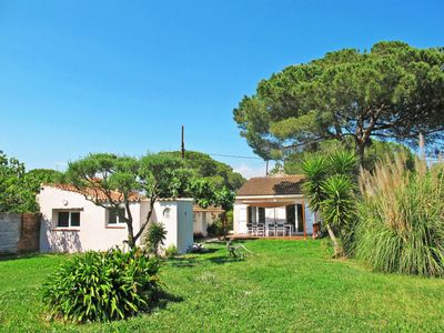 Photo for Vacation home L'Escapade (HYE140) in Hyères - 8 persons, 4 bedrooms