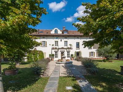 Photo for VILLA ANNA, a luxury and charming estate, swimming pool in the vineyards
