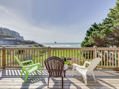 Photo for Spectacular oceanfront & dog-friendly cottage with private hot tub!