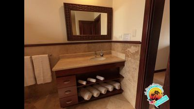 Photo for 2BR House Vacation Rental in Roatan, Bay Islands