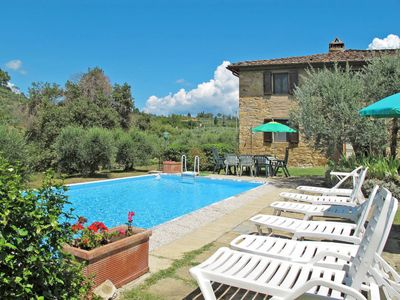 Photo for 4 bedroom Villa, sleeps 9 in Podere Monte Lucci with Pool and WiFi