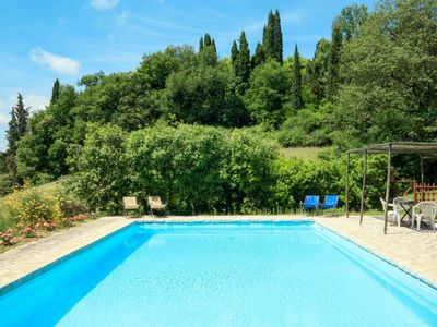 Photo for Cosy apartment in villa with A/C, WIFI, pool, TV, balcony, pets allowed and parking