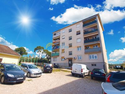 Photo for Apartment 1592/16287 (Istria - Pula), Budget accommodation, 3500m from the beach